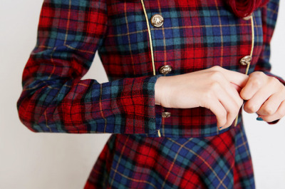 So cute. I love plaid :)