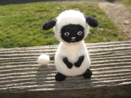 wonderfulsheep:  A Wooly from Rune Factory. Sooo cute!