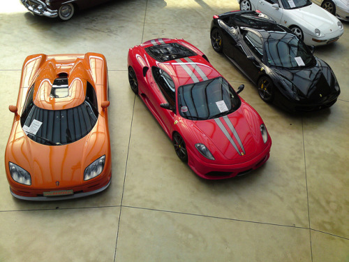carpr0n:  There's plenty for everyone Starring: Koenigsegg CCR, Ferrari F430 Scuderia, Ferrari F458 Italia and Porsche 928 (by RUD66)