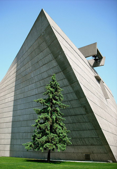 fuckyeahbrutalism:  Church of St. Francis de Sales, Muskegon, Michigan (Marcel Breuer, 1961-66)