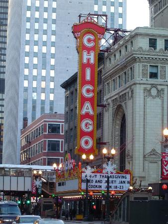 i'm in CHICAGO! currently sitting about a block away from here. it is cold.