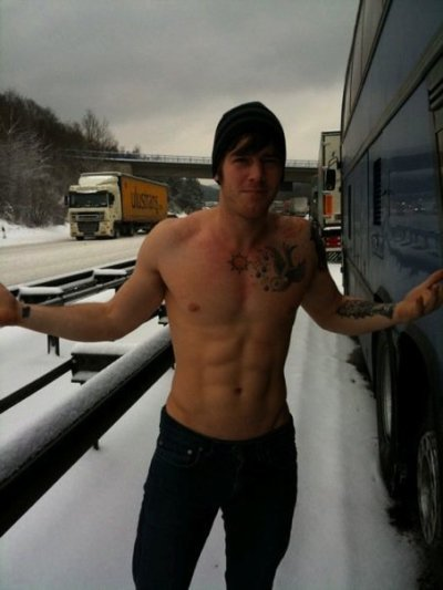 fuckyeahalltimelow:  Snow? Snow means nothing.  Get in my bed.