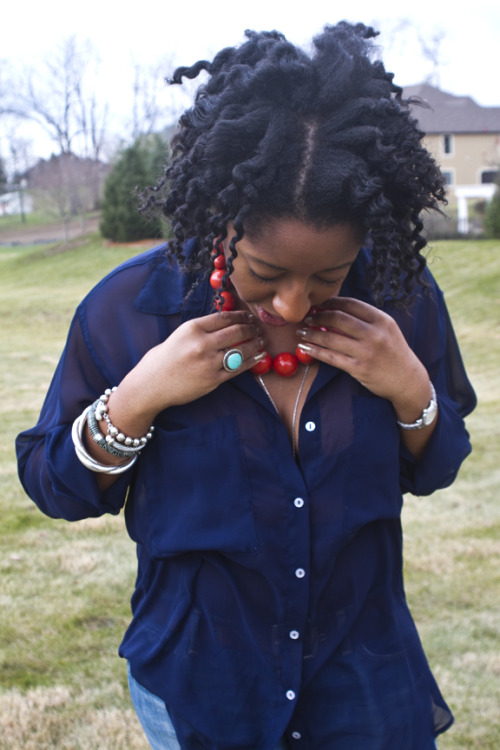 Pretty twist out and colors! Photo by Sasha-Phyars Burgess for The Kris Bliss. (via naturalbelle & fuckyeahnaturalhair)