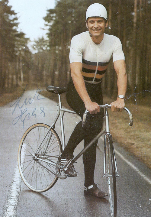 Lutz Heßlich — World Champion of radness.  Awesome old school portrait found on Prolly via Bici Crono.