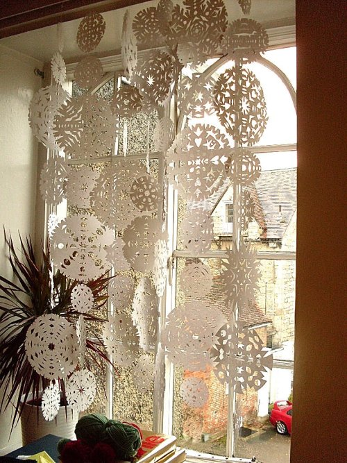 Snowflake Curtain from Bugs and Fishes by Lupin