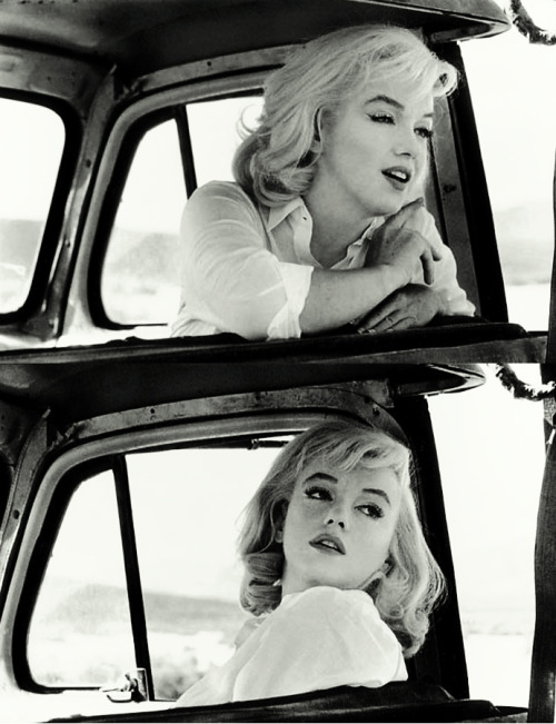 "vintagegal:  Marilyn Monroe on set of ""The Misfits"" 1961"
