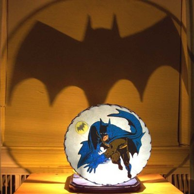 Yes honey, it's a Batman night light. For more things that shine in the night, click here: http://thrl.st/creativepal