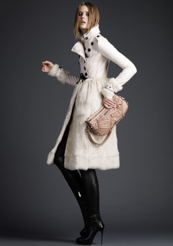 vogue:  Burberry Prorsum Pre-Fall 2011Photo: Courtesy of Burberry