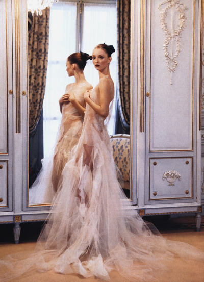 maliciousglamour:  Ravishing CoutureVogue US, March 1999Photographer: Arthur ElgortModel: Audrey Marnay Thimister, Spring 1999 Couture