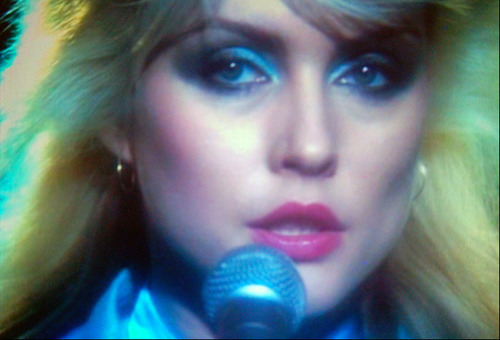 - Debbie Harry, Glamour Shot Goddessvia Enjoy Your Style
