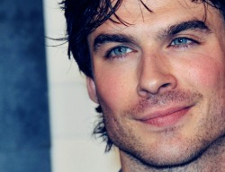 LOOK AT THESE EYES, OH MY GOOOOOD!!!! Y R U SO DAMN PERFECT IAN? :~~~