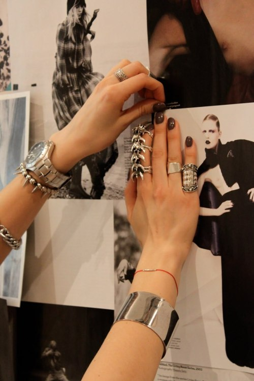 I want that damn spine looking ring.