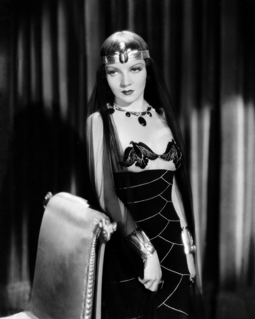 Claudette Colbert in one of several costumes created for 'Cleopatra' (1934)