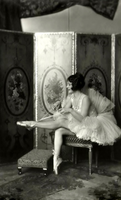 bohemea:  Helene Costello, Ziegfeld Girl