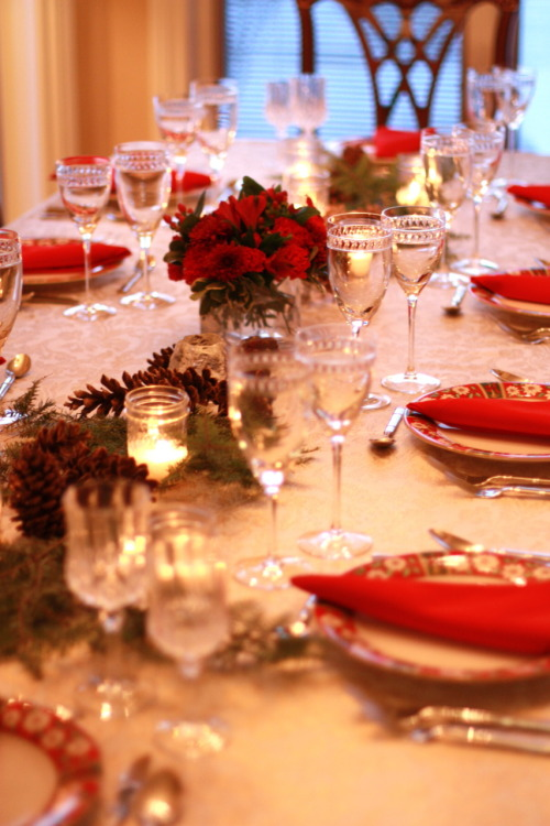 sweethomestyle:  Our Christmas Table Submitted by Jessica Quirk