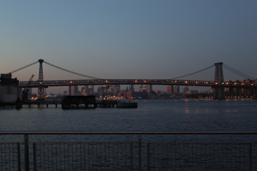 Williamsburg Bridge at sunrise