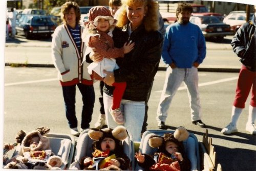 ptvismexcellant:  Aww baby Tay She's the last one on the right.  baby tay, for anon