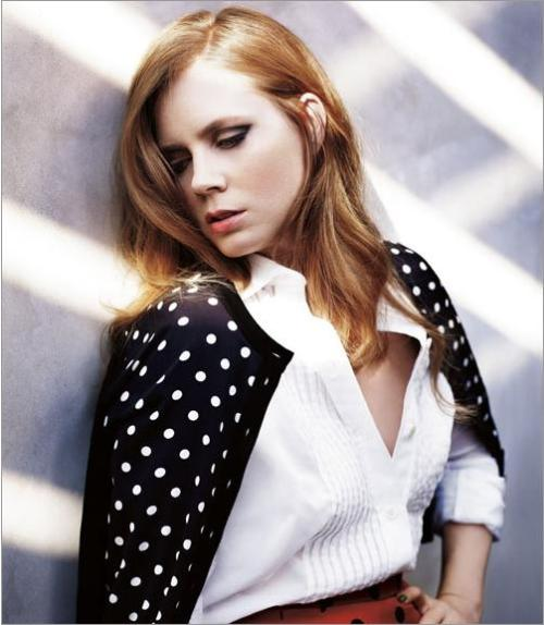 Marie Claire, January 2011 photographer: Mark Abrahams Amy Adams white and perfect gray— I want that gray on a wall in FutureHouse. Amy Adams Cover Shoot - Pictures of Amy Adams - Marie Claire // carmaluna