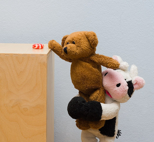 SWEET :)) when BABY COW helps TEDDY BEAR to reach the CANDY :)