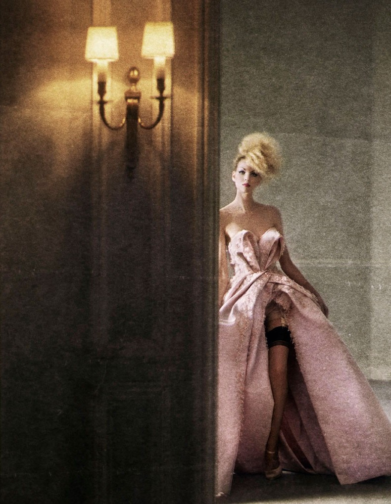 Christian Dior Fall 2009 Haute Couture Magazine: Financial Times Fine Times November 2009 Photographer: Yuval Hen