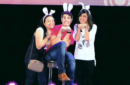patdes:  DARREN CRISS IN BUNNY EARS YOUR ARGUMENT IS INVALID. Charley @chorleycake and I were blessed with what could best be described as a Criss-mas miracle. ♥ I have loads to share! Pictures, videos and general squee in later hours. AHHHH.