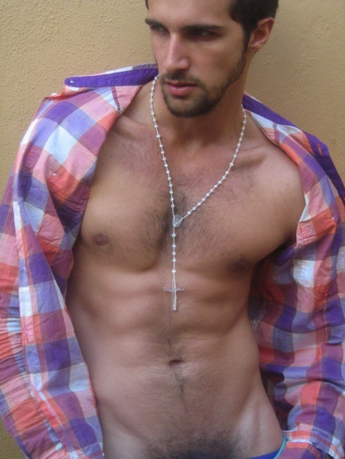 "mancrushoftheday:  lazt1rezort:  So sexy!!!  Get your ""crush"" on. Follow us on Twitter @man_crush and on Facebook."