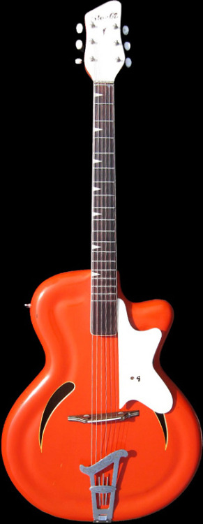 1961 Migma Star 62. Pickup as well as jack are hidden below the pickguard. 5 years laters, Fender would come up with a prototype featuring hidden pickups.