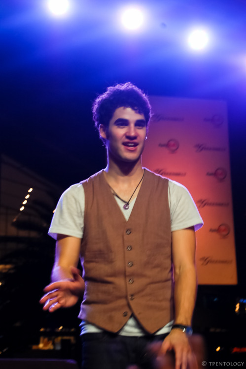 estipen:  Meet Darren Criss. Before he became widely known of his role in Glee as Blaine, he has already made quite a stir in the internet community and Harry Potter fandom because of his portrayal of Harry Potter in A Very Potter Musical. He's half-Filipino and half-Irish, too. But I think most Tumblr people know that already. :)