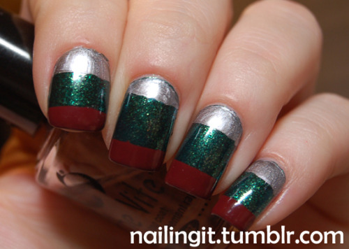 orly - meet me under the mistletoeconfetti - silver slippersl'oreal - le sangre more christmas nails, i wish i was more patient with these because they aren't as neat or crisp as i'd like. but, it is what it is!
