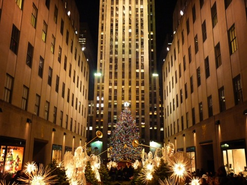 Rockerfeller Center, Manhattan. Happy holidays to all!