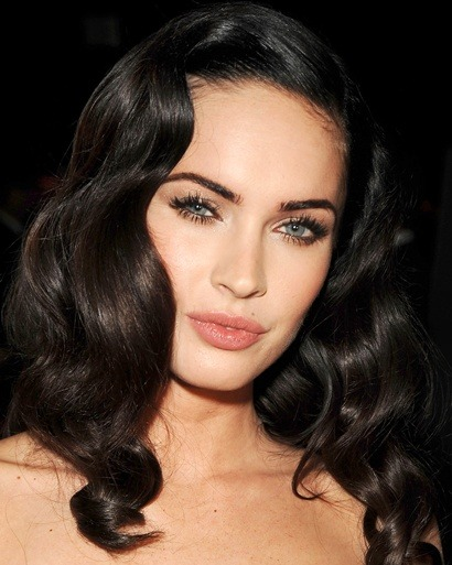 How to get pumped-up lashes à la Megan Fox, and more here: -Holiday Beauty: Starworthy-Looks