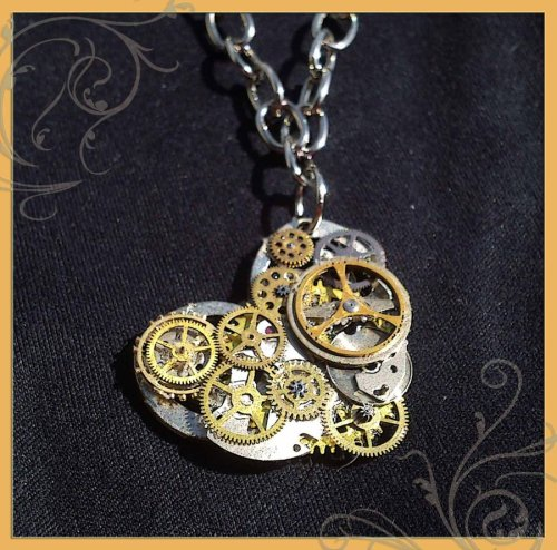 SteamPunk Heart necklace.