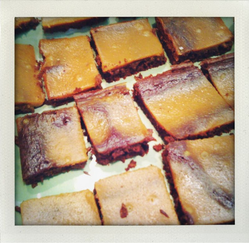 Merry Christmas from these pumpkin pie brownies (and me)!
