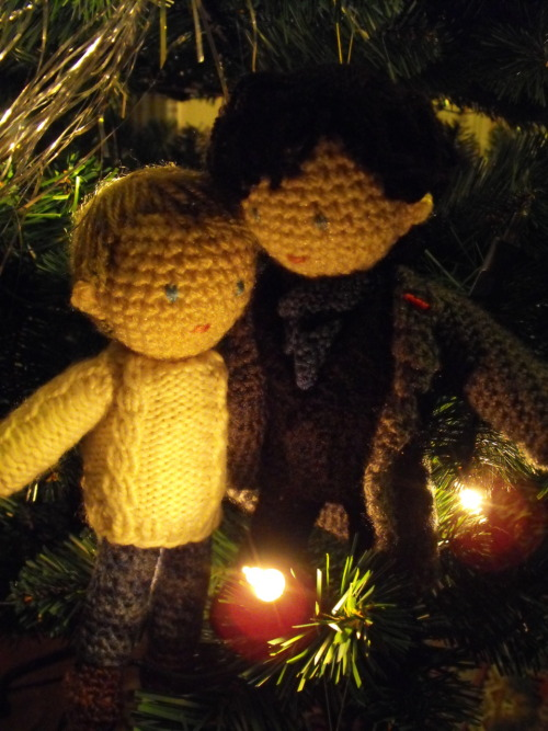 lyvyan:  Mini!John and Mini!Sherlock wish you a merry Christmas too! :3