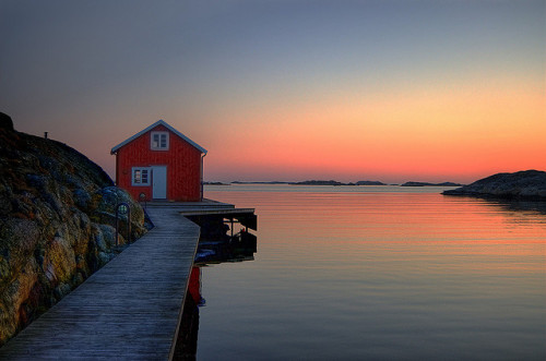 theworldwelivein:  Somewhere in Sweden… (by Johan Runegrund)