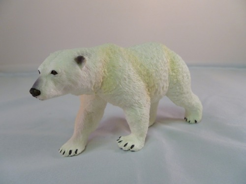 Toy polar bear from my goddaughter for Christmas…FAB! I should be a polar bear, but it's impossible…
