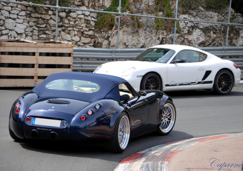 carpr0n:  Monaco showdown Starring: Wiesmann Roadster MF4 and Porsche Cayman S (by Caparno)