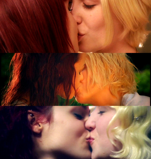 ellib:  Naomily forevs.  i can't get enough of them.