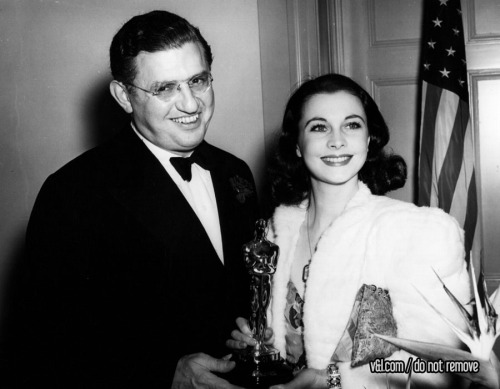"How  to be a good Oscar winner, by Vivien Leigh: no crying, make it short  and to the point so people don't even have time to cue the ""get off the  stage"" music, beat out Bette Davis and Greta Garbo for the award, keep  Oscar dress minimal but still totally fabulous, later use Oscar as a  bathroom door stop."
