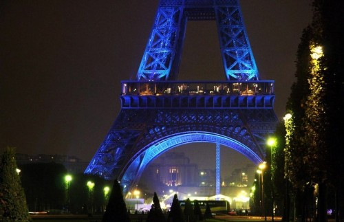 The Eiffel Tower turning blue at night in Paris. So romantic. Made this night even more magical and so in love. ♥