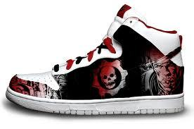 Gears Of War Dunks. want.