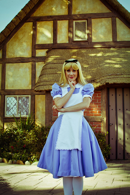 ohmyitsdisney:  Alice 2 (by Brendan)