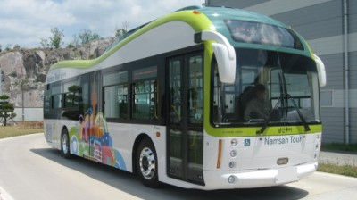 electricpower:  South Korea rolls out first commercial electric bus service, we are green with envy  The Seoul Metropolitan Government has just rolled out a world first by instating commercial, all electric bus service in the city. We've previously seen pilot programs and trials, but actual working commercial service has never been previously implemented. The program, developed in agreement with Hyundai Heavy Industries and Hankuk Fiber, and the buses themselves can run up to about 52 miles on a single charge (which takes about 30 minutes), and have a maximum speed of about 62 miles per hour. Though several other cities have small fleets of electric public transportation, Seoul has announced that half of its massive fleet of buses will be electric by 2020. Engadget