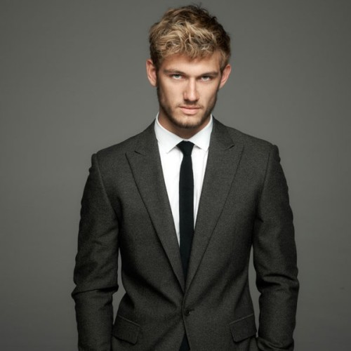 HOT new photo of Alex Pettyfer from I Am Number Four