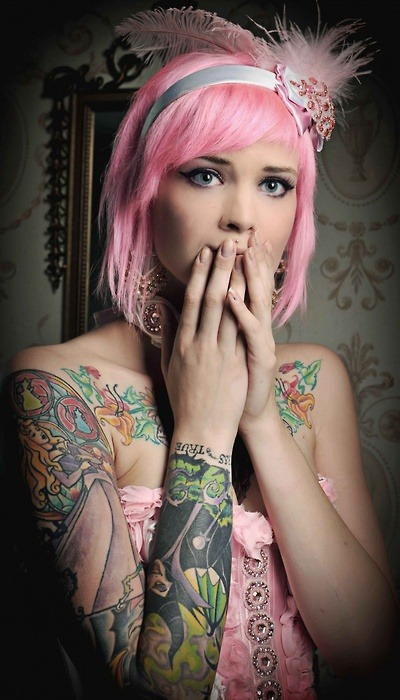 I looove her Sleeping Beauty sleeve! Amazing