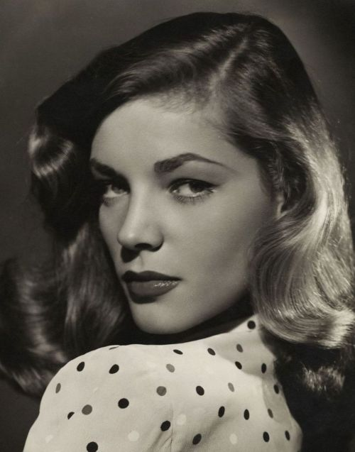 oldhollywood:  Lauren Bacall (1944, photo by Bert Six) Perfection