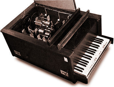 thepiano:  The Optophonic Piano (1916) An electronic Optical Instrument created by Russian Futurist painter Vladimir Baranoff Rossine. This instrument created a continuous tone which varied when pressing different keys. Simultaneously it created kaleidoscope projections through multiple glass disks of various colors.