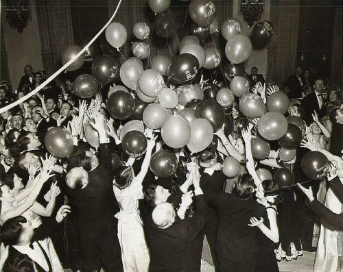 eachdayaflower:  1939 New Years