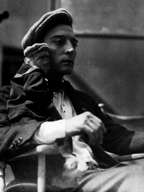 Buster Keaton & Josephine on the set of The Cameraman (1928, dir. Edward Sedgwick & Buster Keaton) (via)