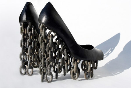 "haveashoegasmwithme:  Chain shoes is the collaboration of two Swedish design students Tove Jansson and Per Emanuelsson. A concept based on two very opposite ideas; floating and the restriction of being chained down. Somehow they made it work and despite the heavy chains, the shoes almost look like they are floating in the air.  The Chain shoes won the first prize in the ""Shoemania"" design competition in Stockholm in 2009.   GIMMIE GIMMIE GIMMIE"